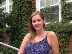 Headshot of Lauren Hotchkiss