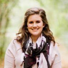 Headshot of Kendra Schnarr